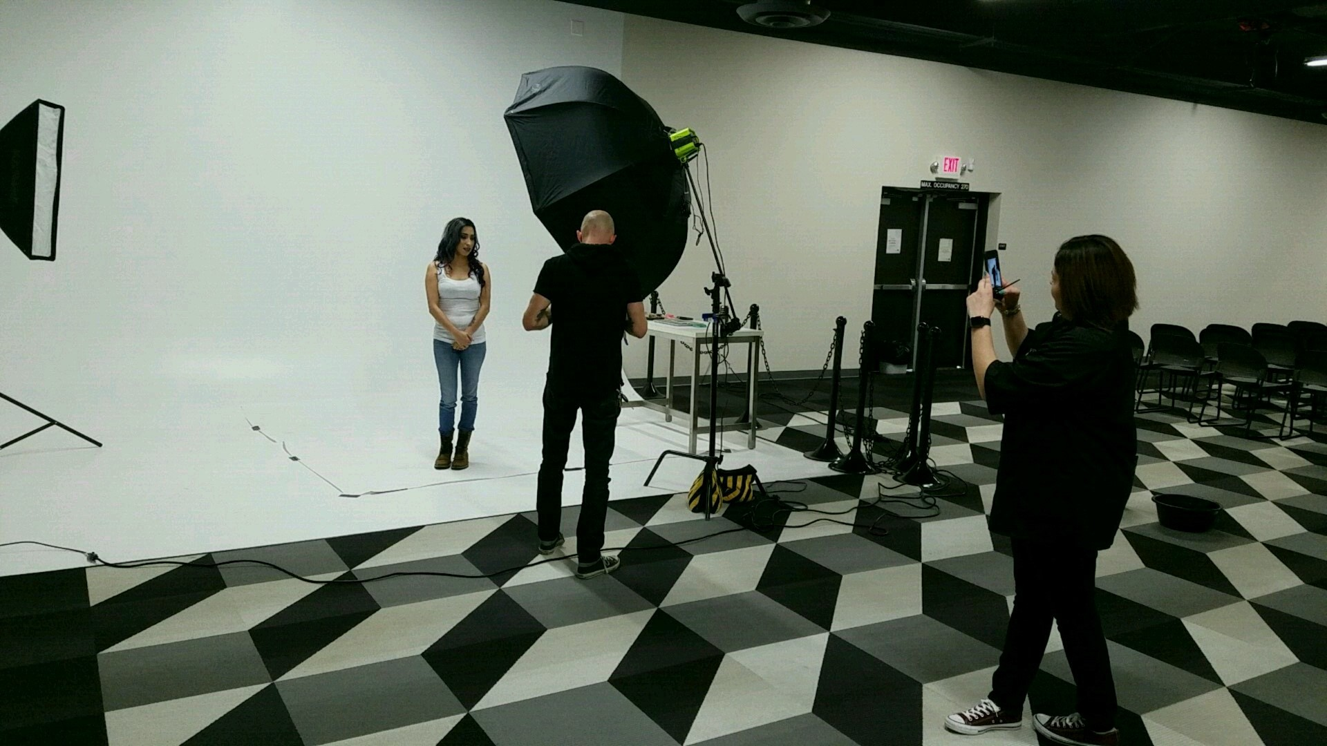 The full model shoot set up with lights and cameras!