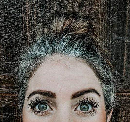 Image | Katie Goes Platinum https://katiegoesplatinum.com/fun-natural-grey-hair/